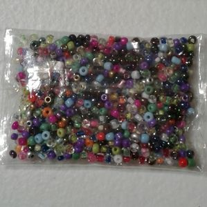 PKG OF MULTI-COLORED BEADS FOR CRAFTS